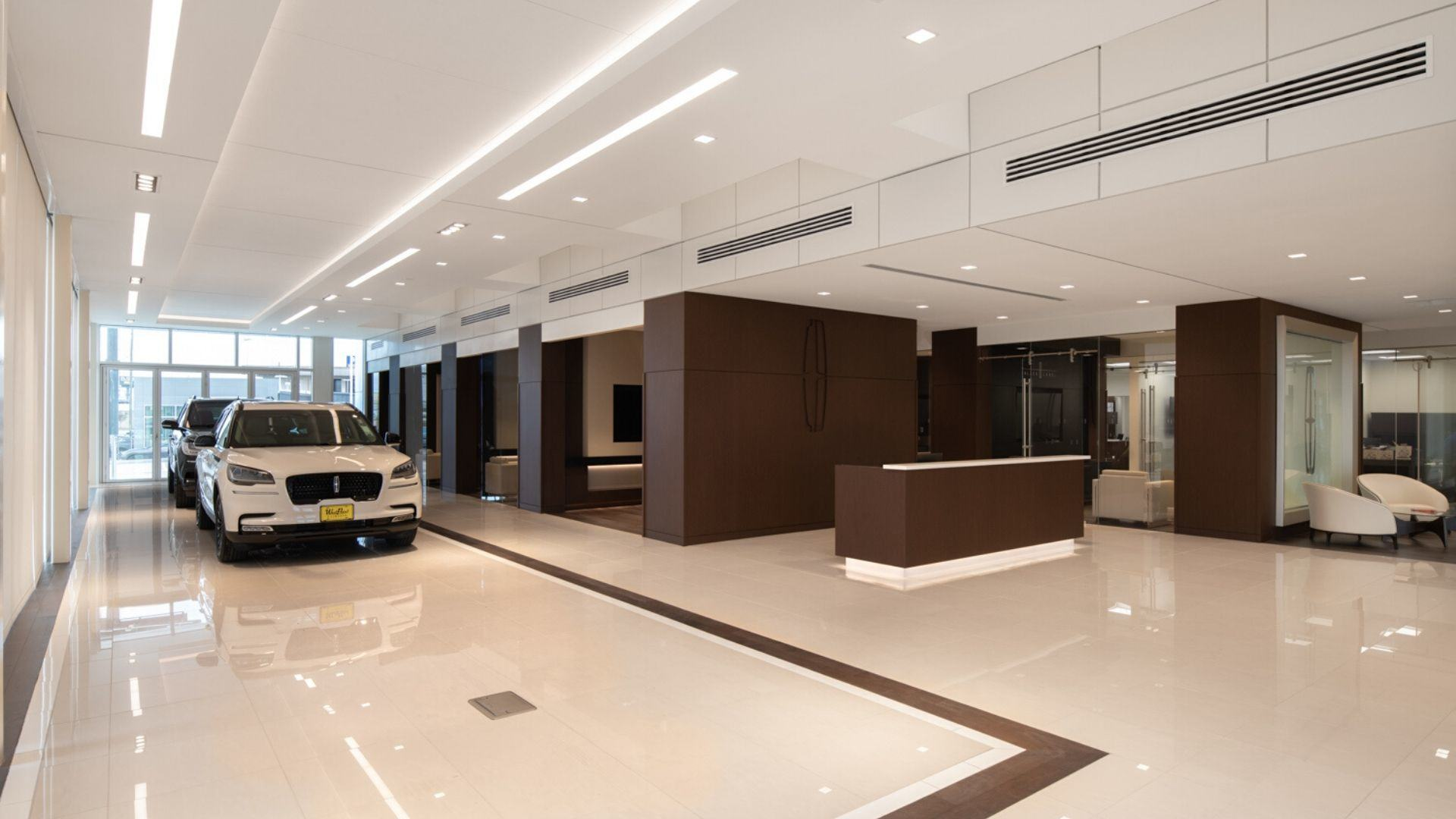 West Point Lincoln of Sugarland-Showroom